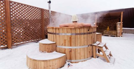 Pic Advantages and disadvantages of wood hot tub